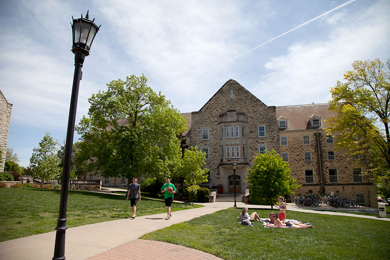 http://housing.k-state.edu/images/living-options/putnam/putnam-1.jpg